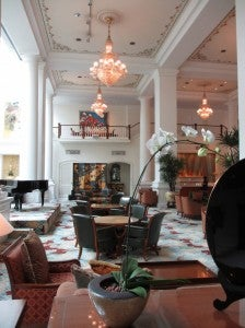 The lobby sitting area of the Intercontinental Singapore.