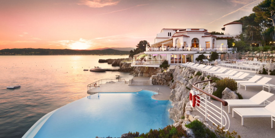 The famous cliffside pool at the uber-exclusive Hotel du Cap.