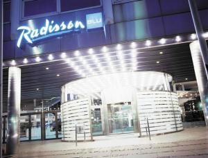 Entrance to the Radisson