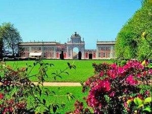 The ornate baroque facade of Tivoli Palacio de Setais.