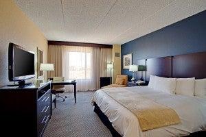 King guest room at the Radisson Santa Maria Airport Hotel.