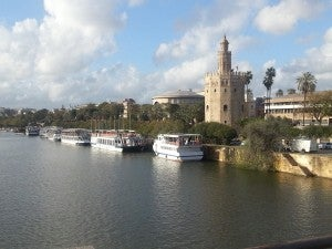 Torre de Oro/Gold Tower and the Guadalquivir River.
