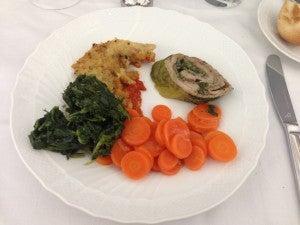 Veal rolls with lettuce, porcini mushrooms and Pgi Colonnata lard.