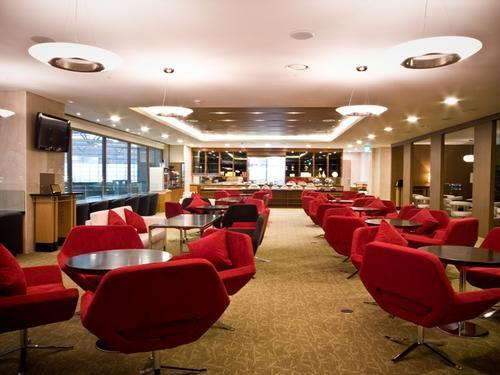How to maximize the chase ink card lounge program the for Best airport lounge program
