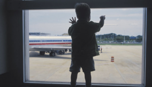 All children love planes, but sadly not all airlines love children (photo c/o CNN).