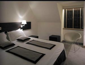 Standard room at the Radisson Blu Hotel, Edinburgh.