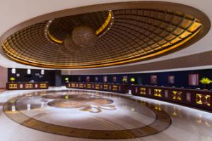 The extravagant lobby of the Sheraton Macau.