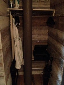 The room had a small closet area in the entry.