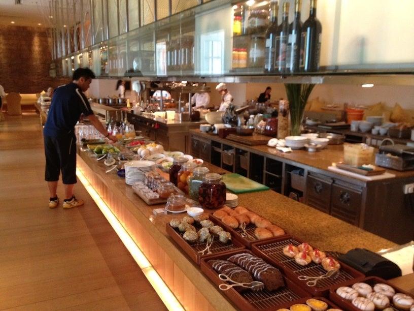 Hotel Review Park Hyatt Saigon Standard Park King Room
