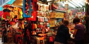 Shop the stalls along Li Yuen.