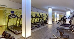 Use the 24 hour fitness center at the Hilton Frankfurt Airport.