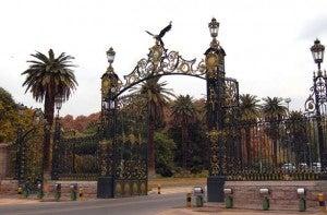 Parque De San Martín is one of the world's largest urban parks.