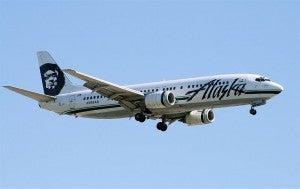 800px-Alaska-737-4QB-YVR