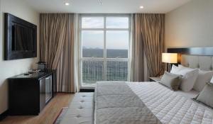 A Luxe Room at the Miramar Rio.