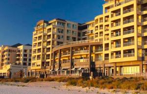 The Oaks Plaza Pier Hotel