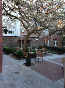 Courtyard in the middle of the Hotel Stanhope