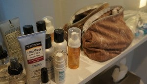 Had my toiletry bag been any wider (I use medium-sized makeup bags), they might have tipped from the narrow shelf onto the floor