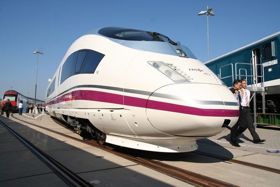 An AVE train