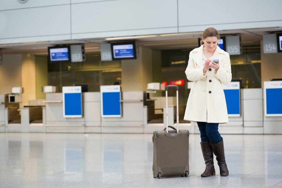 Soon you can surf the web for 30 minutes free of charge at NY airports. Image courtesy of Shutterstock