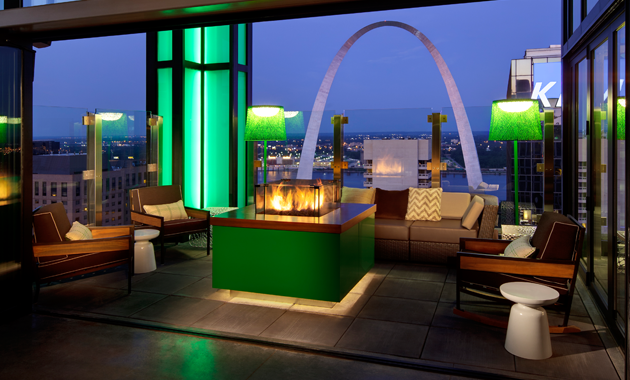 The view of St Louis' Gateway Arch from 360 at the Hilton at the Ballpark