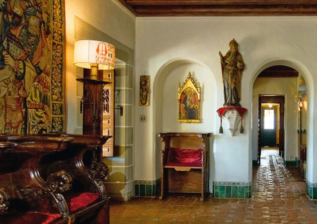 Designed by architect George Washington Smith, Casa del Herrero is full of Spanish Colonial-Revival details and the owner's own hand-crafted ironwork