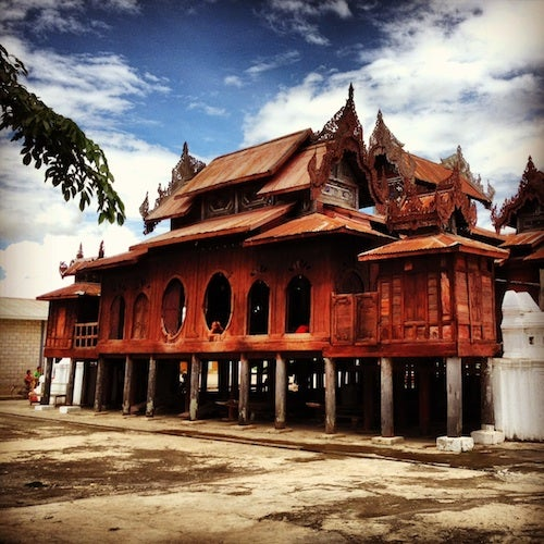 We stopped at the 19th-century Shwe
