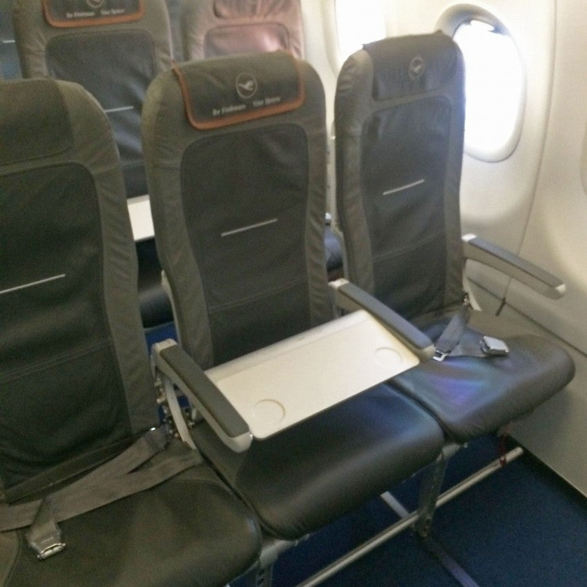 Business class seats aboard the A321 intra-Europe from Madrid-Munich