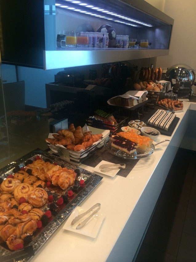 The Lufthansa first-class lounge's breakfast buffet