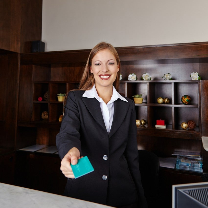 shutterstock_141626962 hotel front desk agent