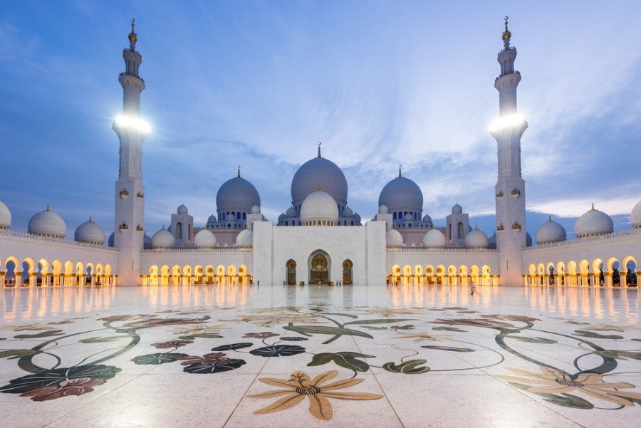 Sheik Zayed Grand Mosque. Photo courtesy of Shutterstock.
