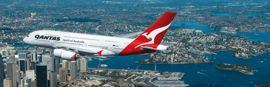 Qantas plane sydney harbour featured