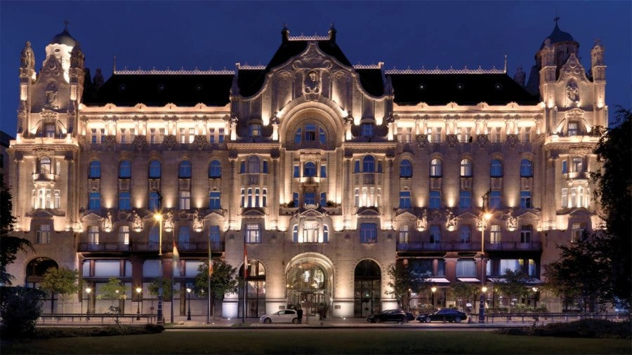 Although I love a nice luxury stay at a Four Seasons hotel (like the Gresham in Budapest) I can't deny that the Ritz-Carlton offers more value in the realm of points.
