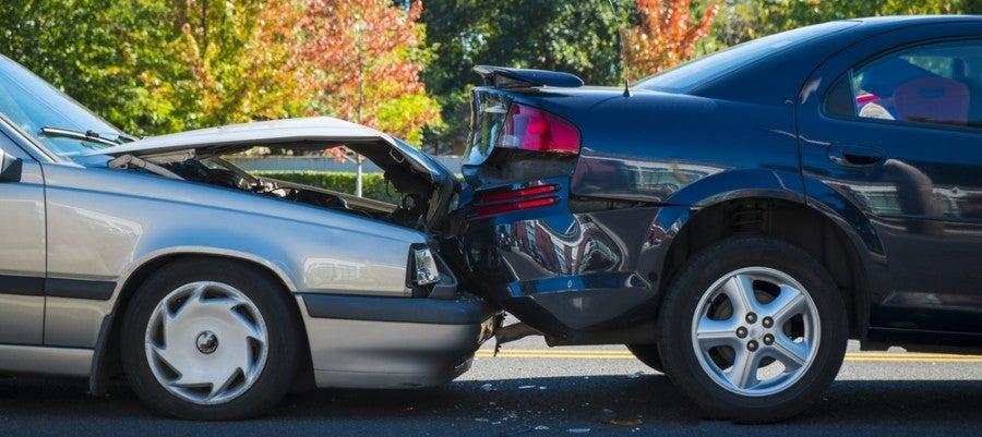 Car accident fender bender featured shutterstock 157986236