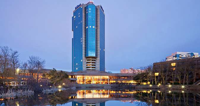 The lakeside location of the Hilton Alexandria Mark Center doesn't indicate its proximity to Washington, D.C.