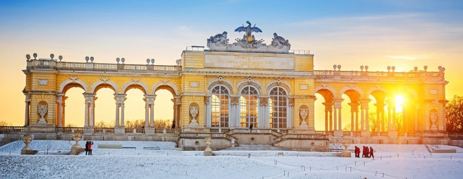 Vienna Schonbrunn Palace featured shutterstock 229278424
