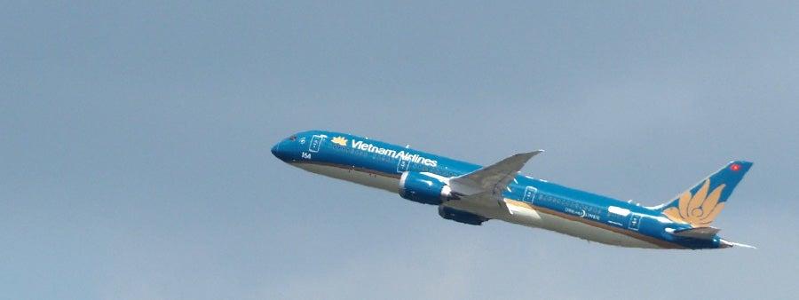 Vietnam Dreamliner Featured