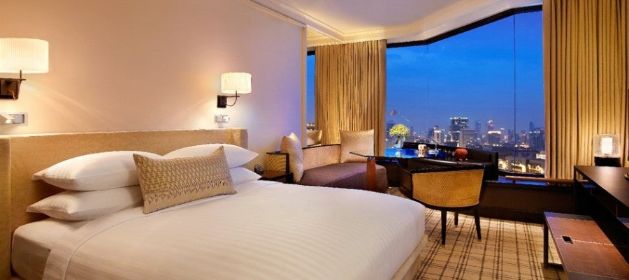 Grand-Hyatt-Erawan-Bangkok-Grand-King-Bedroom featured