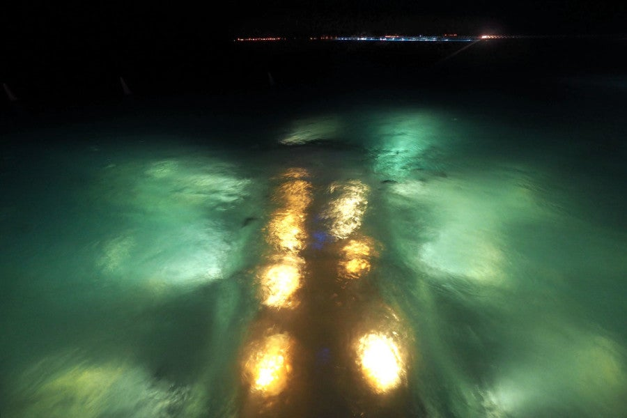 10 Photos Ithaa Undersea Restaurant In The Maldives