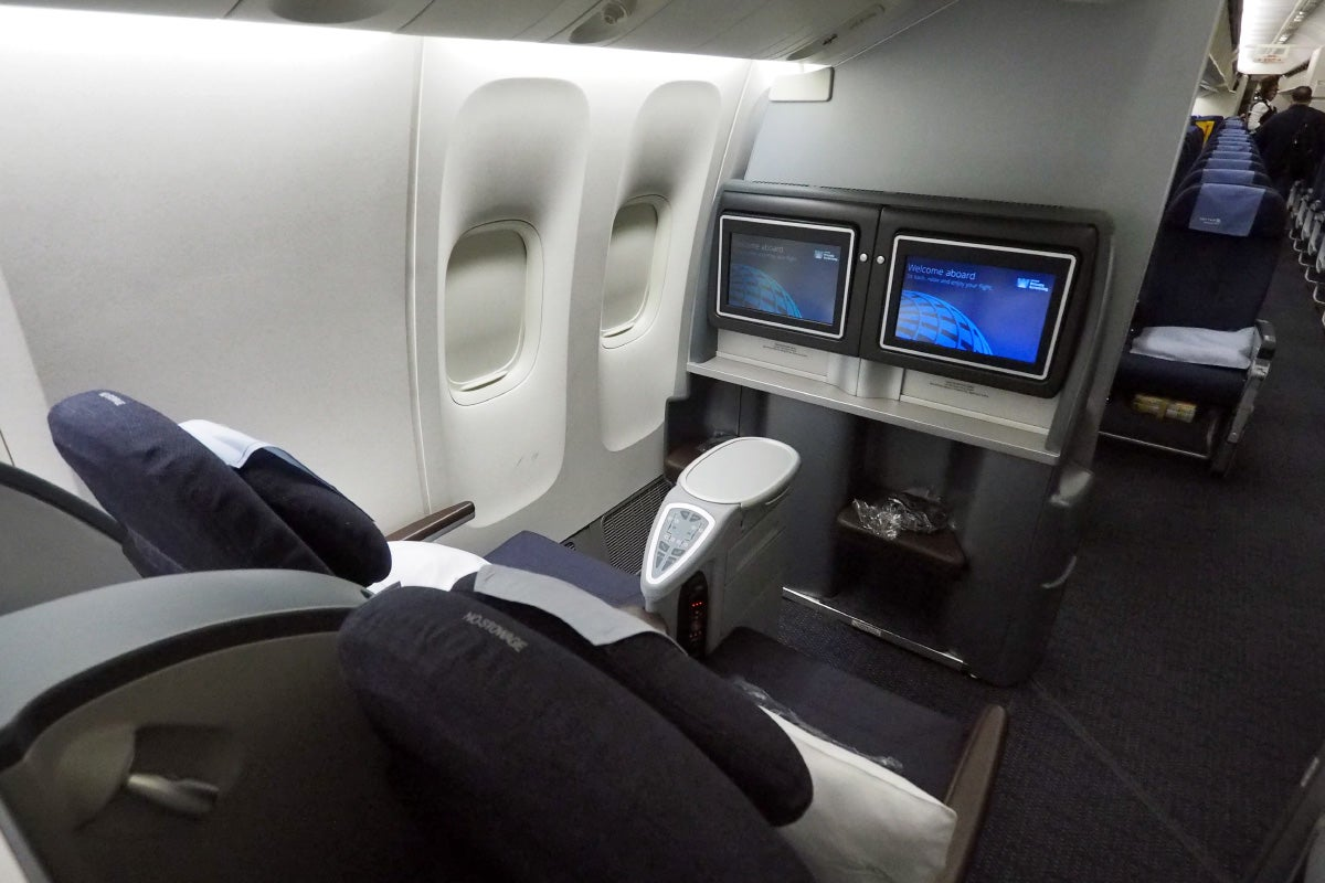 Flight Review United 777 200 Businessfirst Sfo Sydney