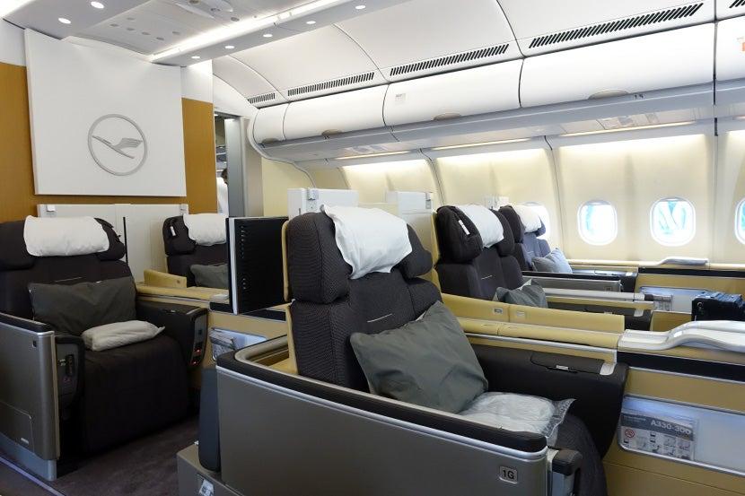 Amenity Kits First Class Vs Business Class On Lufthansa