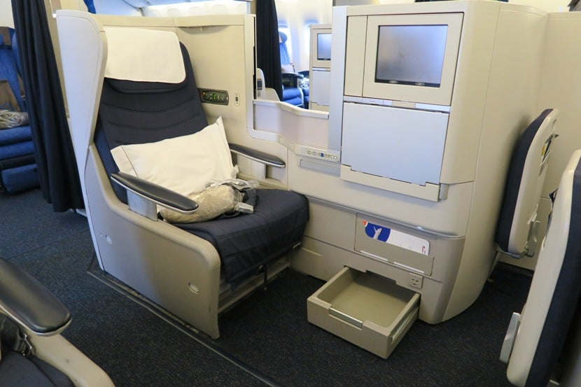 Review British Airways 777 200 Club World Business Class
