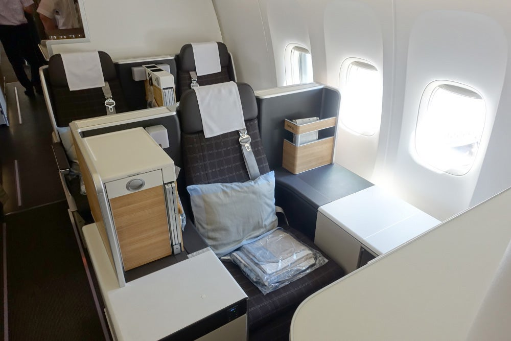 Swiss 777 300er Business Cl Review