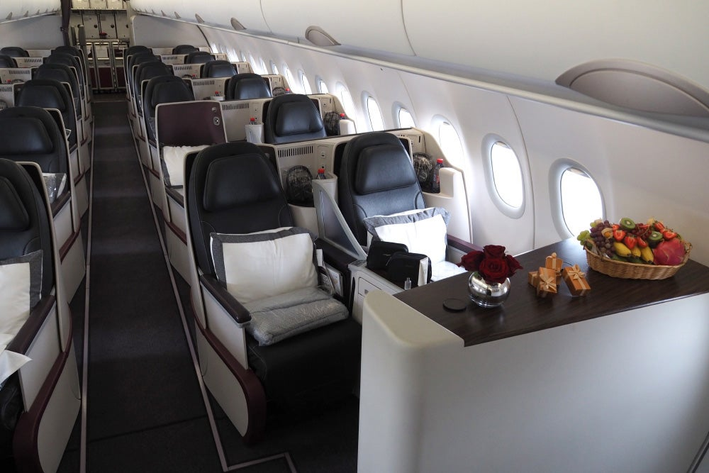 Check Out Qatar S All Business Class Airbus A319 Jet