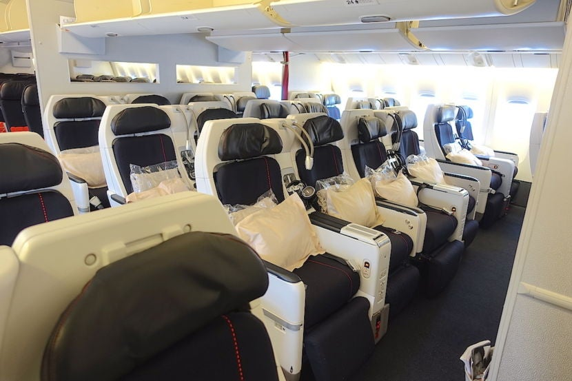 5 Reasons to Fly Premium Economy