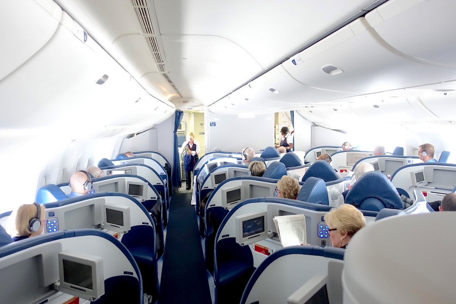 delta airlines 777 business class photos