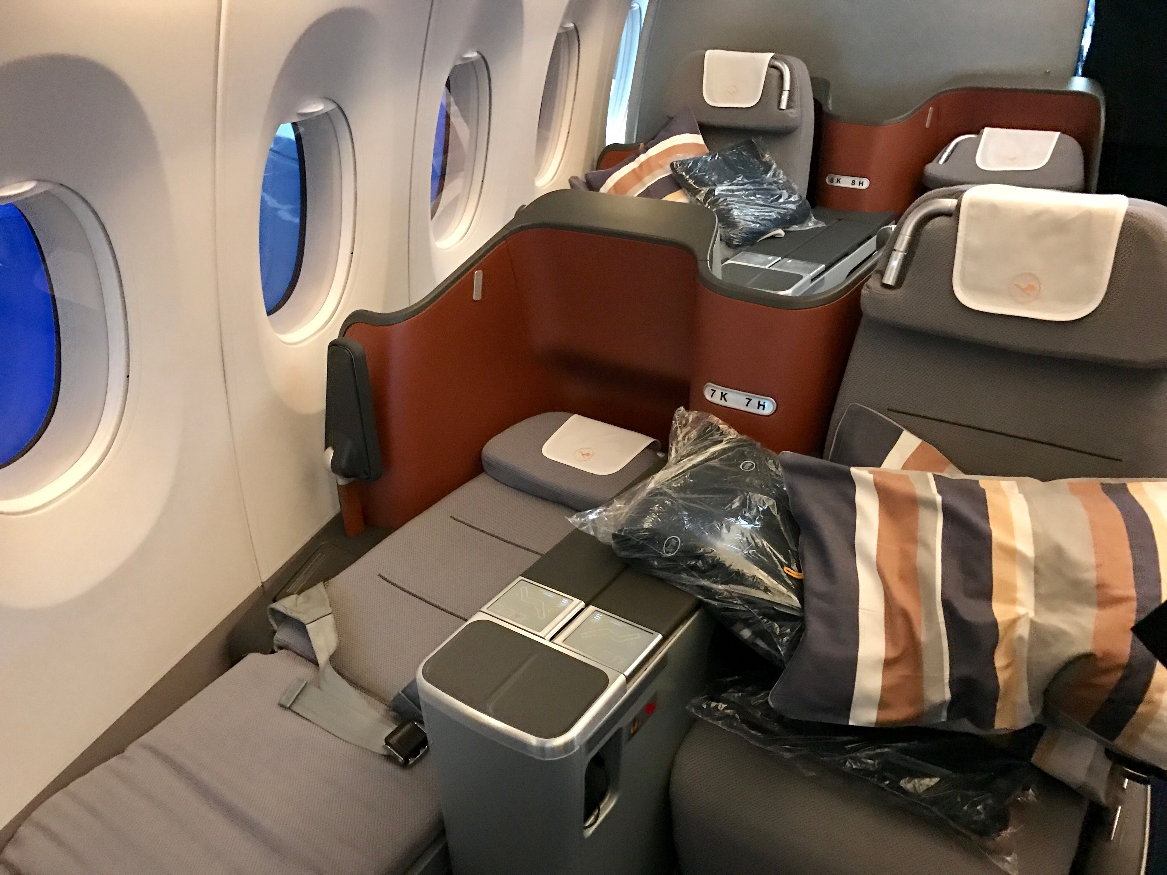 A Look Inside Lufthansa S First Airbus A350 900
