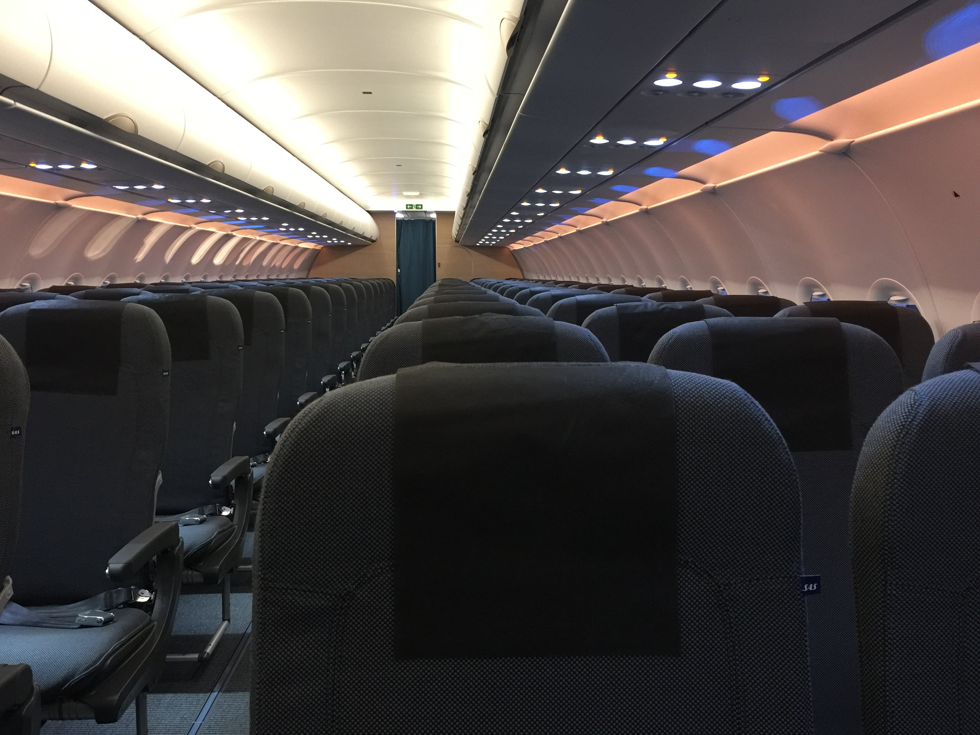 A Look Inside Scandinavian Airlines\' Airbus A320neo