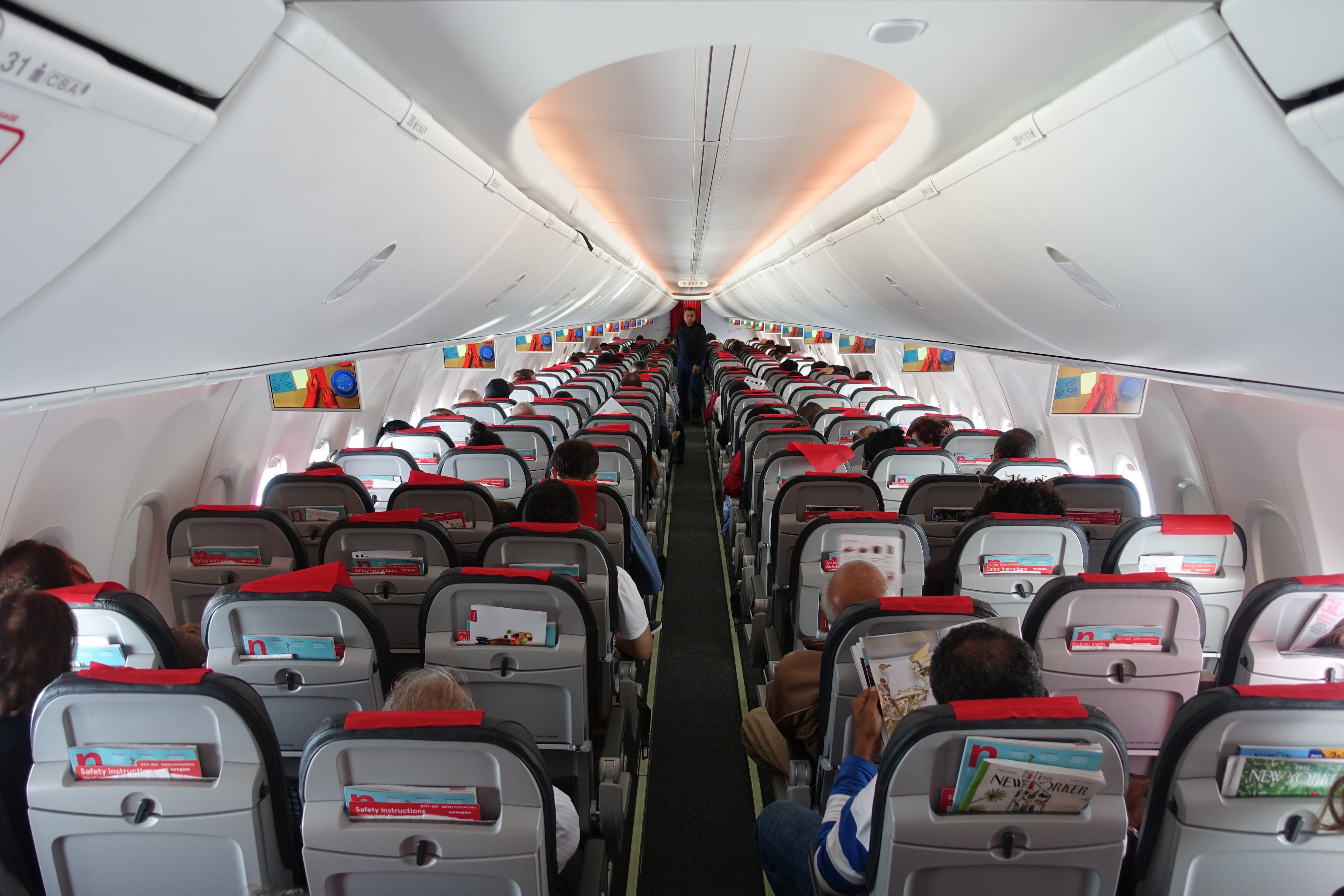 That Norwegian Never Tried To Hide The Fact It S A Low Cost Carrier There Was Also Led Mood Lighting Which Changed Colors Throughout Flight