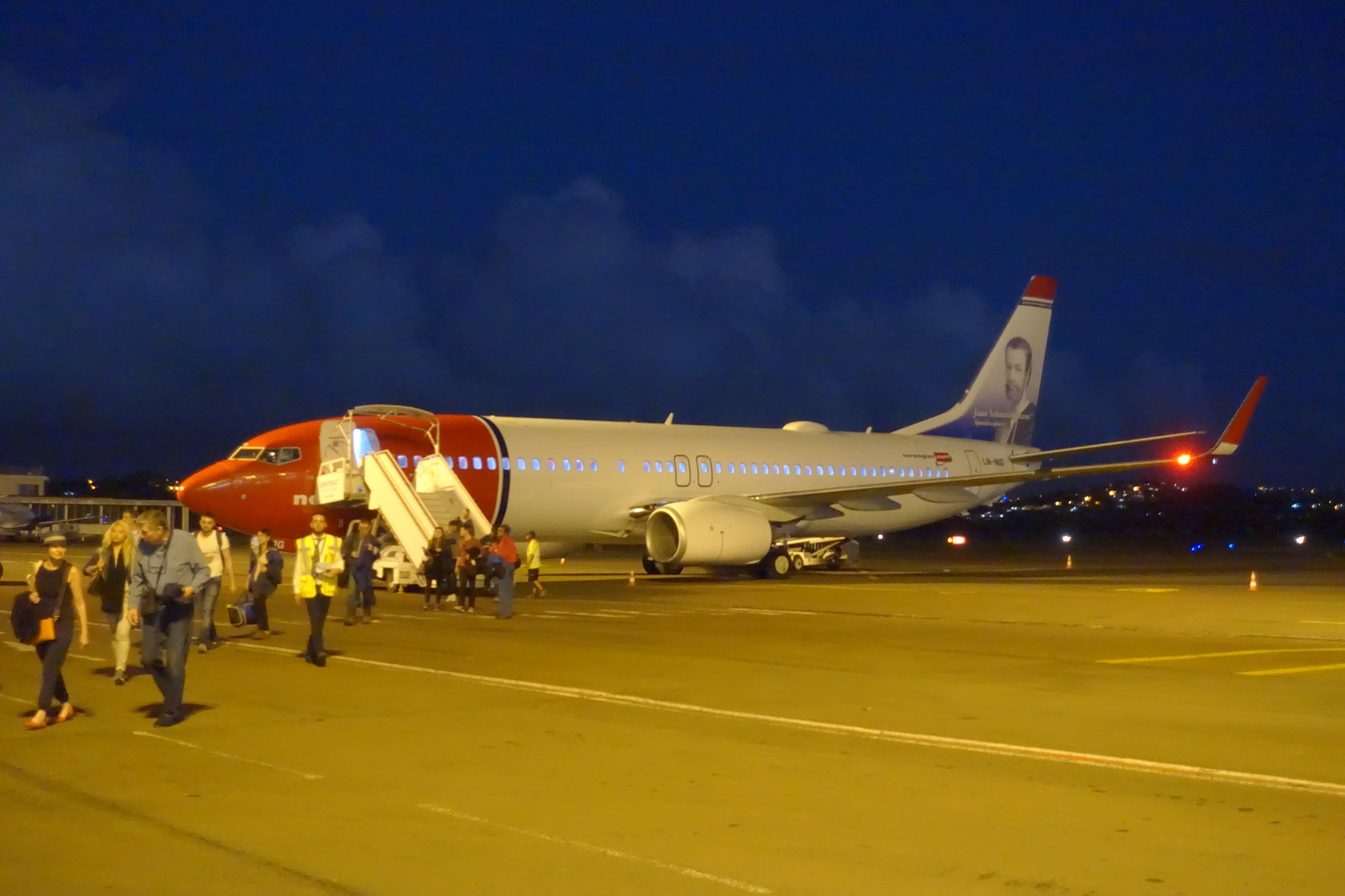 Norwegian 737 800