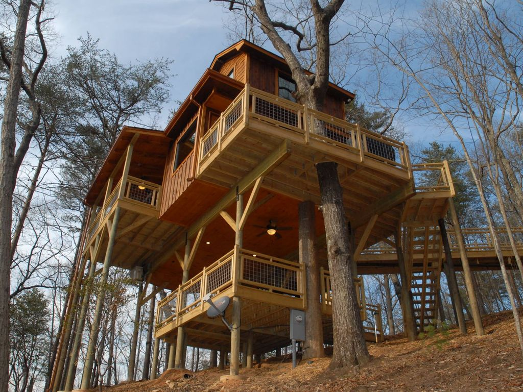 Picture of: 11 Treehouses You Can Actually Stay In
